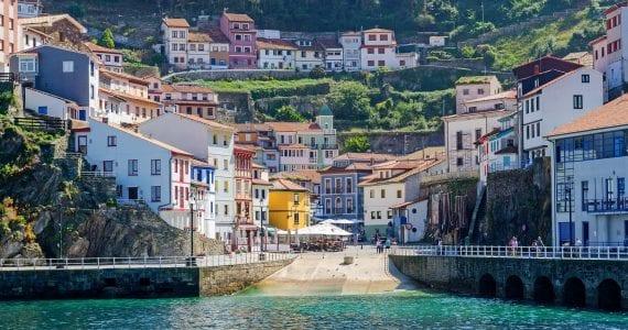 Cele mai frumoase orașe din Spania - Harbor of Cudillero