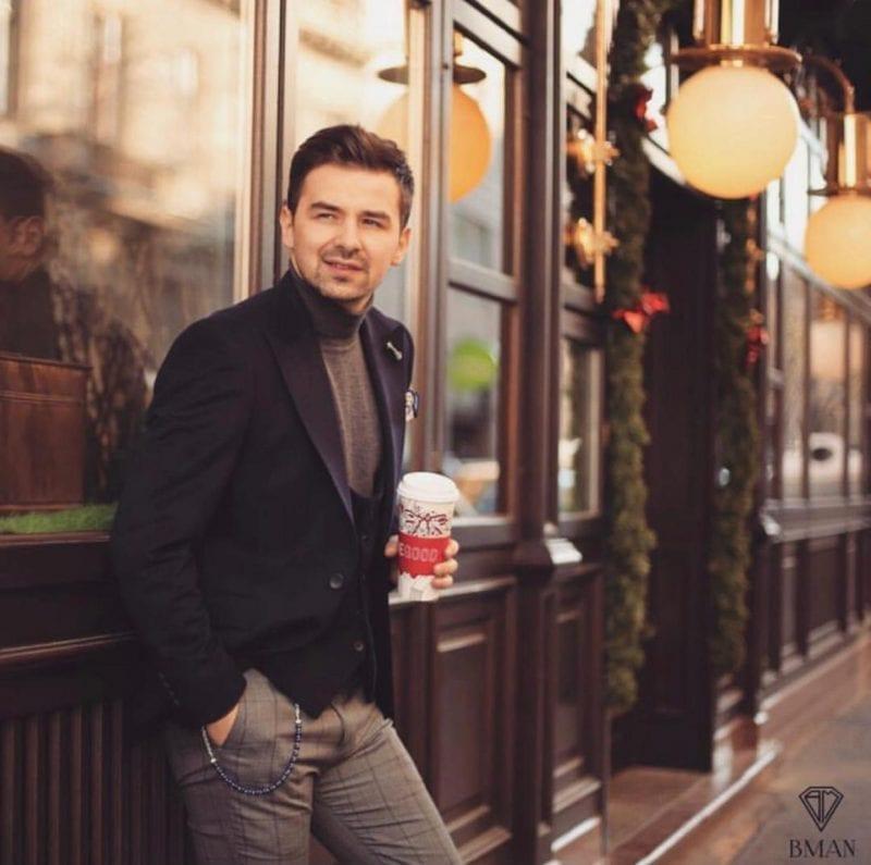 """Vlad Tofan, tânărul din Huși, milionar la 24 de ani: """"Mulți se uită la mașinile altora, eu mă uit la cum sunt îmbrăcați"""""""
