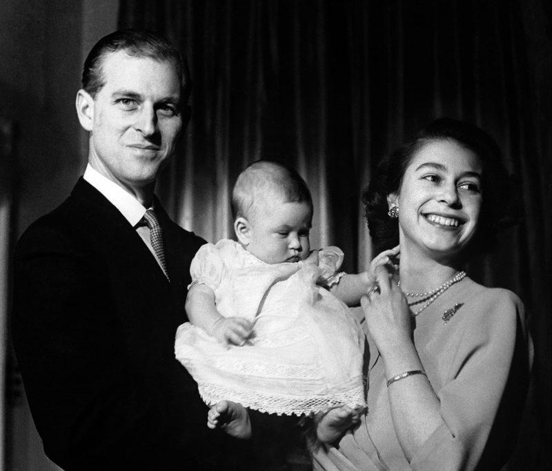 Regina Elisabeta, Prințul Philip și Prințul Charles