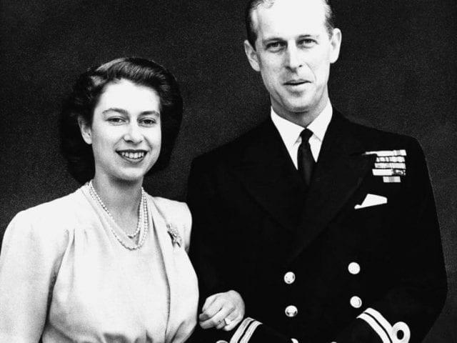 O poveste de dragoste cu regi și regine: cum s-au îndrăgostit Regina Elisabeta a II-a și Prințul Philip?