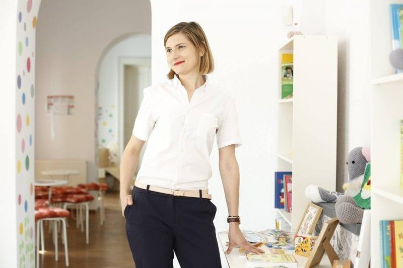 """Adina Săniuță, tânăra care a renunțat la un job de mii de euro în străinătate pentru a fi """"voluntar de profesie"""" în România"""
