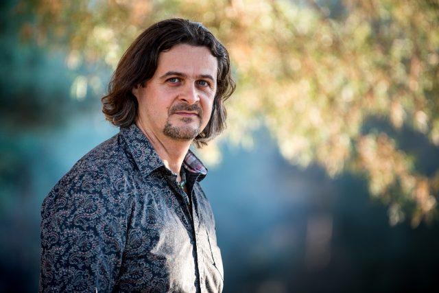 """Cristian Oroșanu: """"prima repetiție la care am participat, pe un scăunel lângă tatăl meu în orchestră, pentru că în acea zi nu avea cu cine să mă lase acasă"""""""