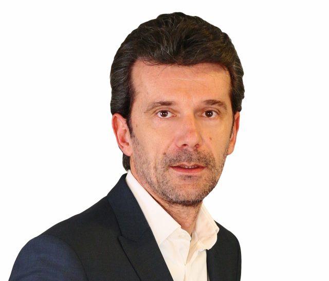 """Cătălin Florescu, inginerul ce dă meditații cu factură și chitanță: """"Dacă nu terminăm cu copiatul, copiii aceștia vor ajunge să aibă aceeași toleranță față de hoție pe care o avem și noi"""""""
