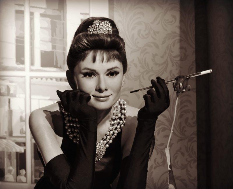 Cine a fost fondatorul Tiffany și cum a reușit cu 100 de ...