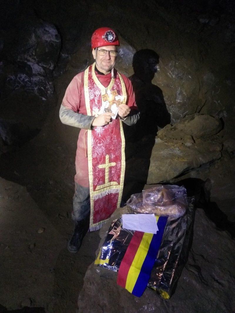 Crin-Triandafil Theodorescu, preot și speolog