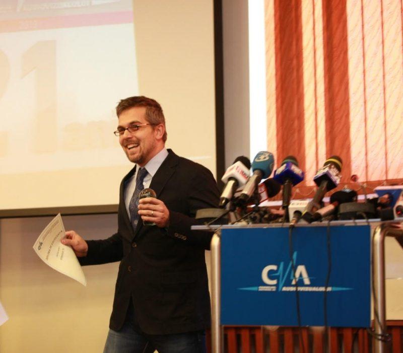 Bogdan Ivănescu a primit premiul CNA pentru emisiunea Doctor Mit