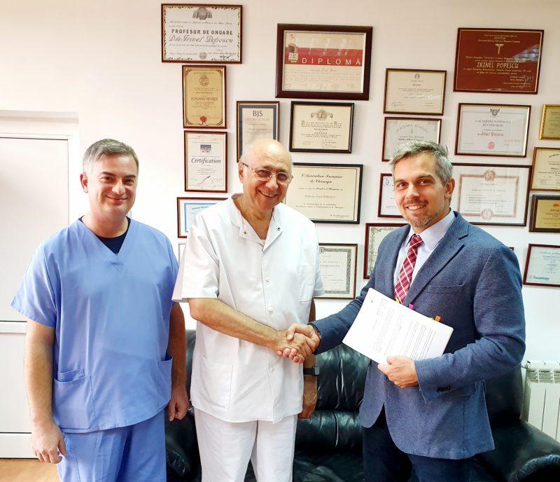 Bogdan Ivănescu împreună cu medicul Irinel Popescu