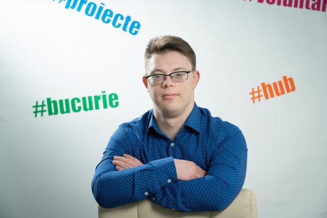 Teo Bucur, tânărul născut cu Sindrom Down și malformație cardiacă, se pregătește pentru a se angaja