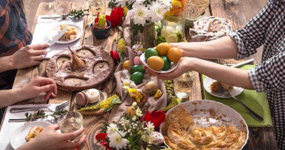 Ce și cât mâncăm de Paște