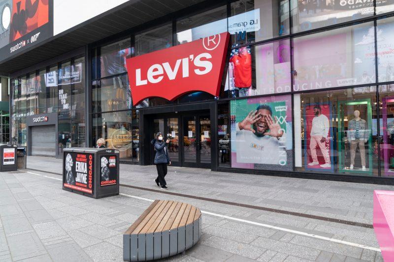 povestea lui Levis Strauss