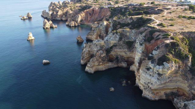 Cele mai frumoase plaje din Algarve. Cum poți să te bucuri de paradisul din sudul Portugaliei? Unde să stai și când este cel mai bine să-ți planifici vacanța