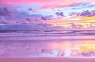 Plaje cu nisip roz